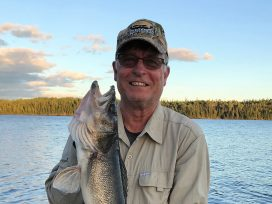 Chris Olson 27.5in Walleye